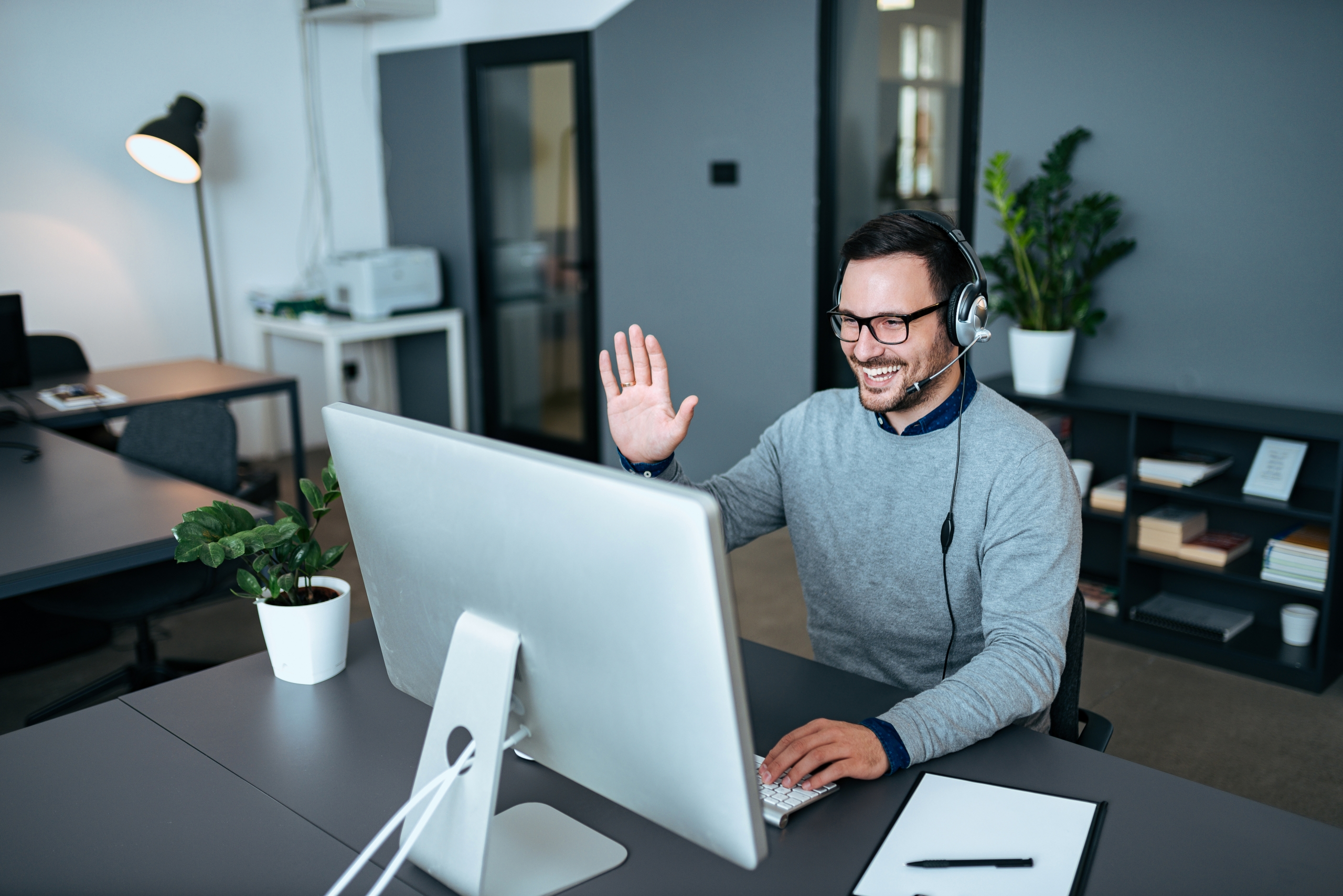AI Supporting the Remote Worker